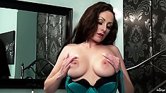 Thick brunette with heavy tits spreads her slut-hole for you