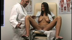 A doctor helps a desperate babe to experience some intense orgasms