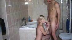 These two amateurs make their shower into the perfect sex spot
