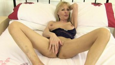 British Blonde Granny Elaine Gives Her Aching Peach Her Full Attention