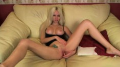 Blonde Mature Live Toys Mastubation On Webcam