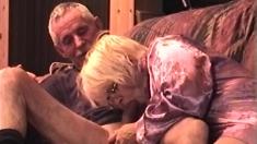 Webcam amateur couple blowjob